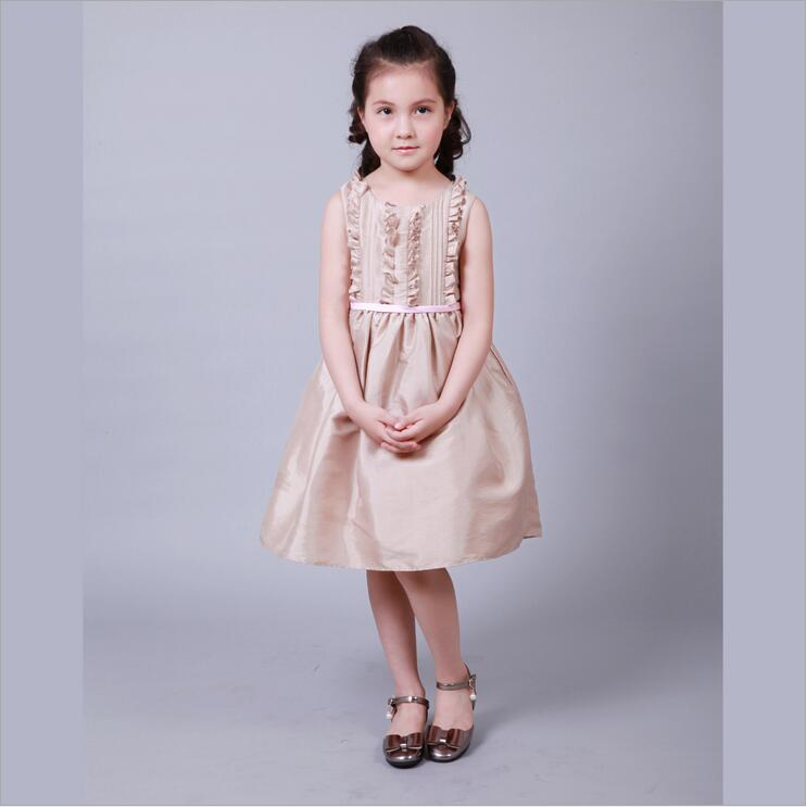 все цены на 2018 Sleeveless A-Line Satin Flower Girl Dresses Princess Knee-Length Party Girl Dress Champag Mother Daughter Dresses For Girl онлайн
