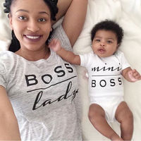 Goedkope Pasgeboren Baby Romper Mini boss Prints O hals Korte Mouw baby unisex Rompertjes Jumpsuit Casual wear Outfit onesie Y2 1