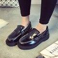 2016 Весна Женщины Лакированной Кожи Плоские Туфли На Платформе Черный Замши Vintage Криперс Повседневные Туфли На Платформе Женщины Лодки обувь Размер 8