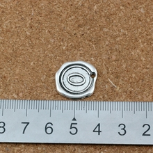 20Pcs/lots Single side Letter  O disc Initial Antique Silver alloy Charms Pendants Fashion DIY Accessories 18x18.5MM A-471