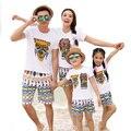 Бесплатная Доставка 2017 Новый пляж Лето Семья Соответствующие Наряды Maya дизайн мать Девушки отец Мальчика устанавливает белый майка + шорты Брюки
