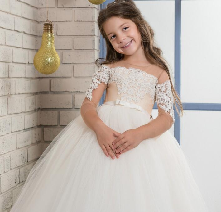 2017 Hot Sale White Applique Flower Girls Dress Off Shoulder Lace with Belt Pageant Birthday Gown First Communion Gown Custom
