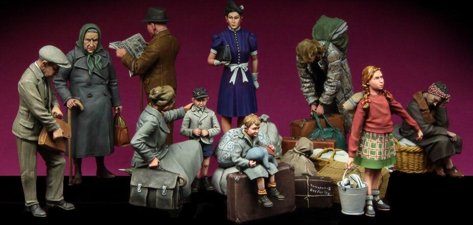 1 35 Scale Assembly Resin Figure kit European Civilians