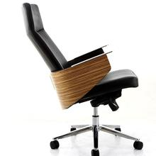 Офисная мебель стул. Простой кожаный офисный стул с высокой спинкой. 03