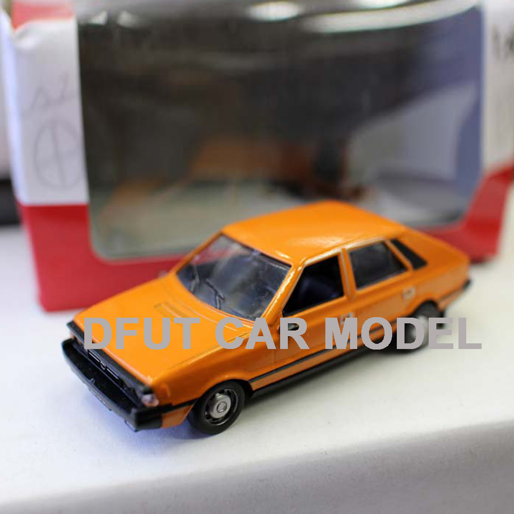 1:43 Alloy Pull Back Toy Vehicles DAFFI FSO POLONEZ Car Model Of Children's Toy Cars Original Authorized Authentic Kids Toys