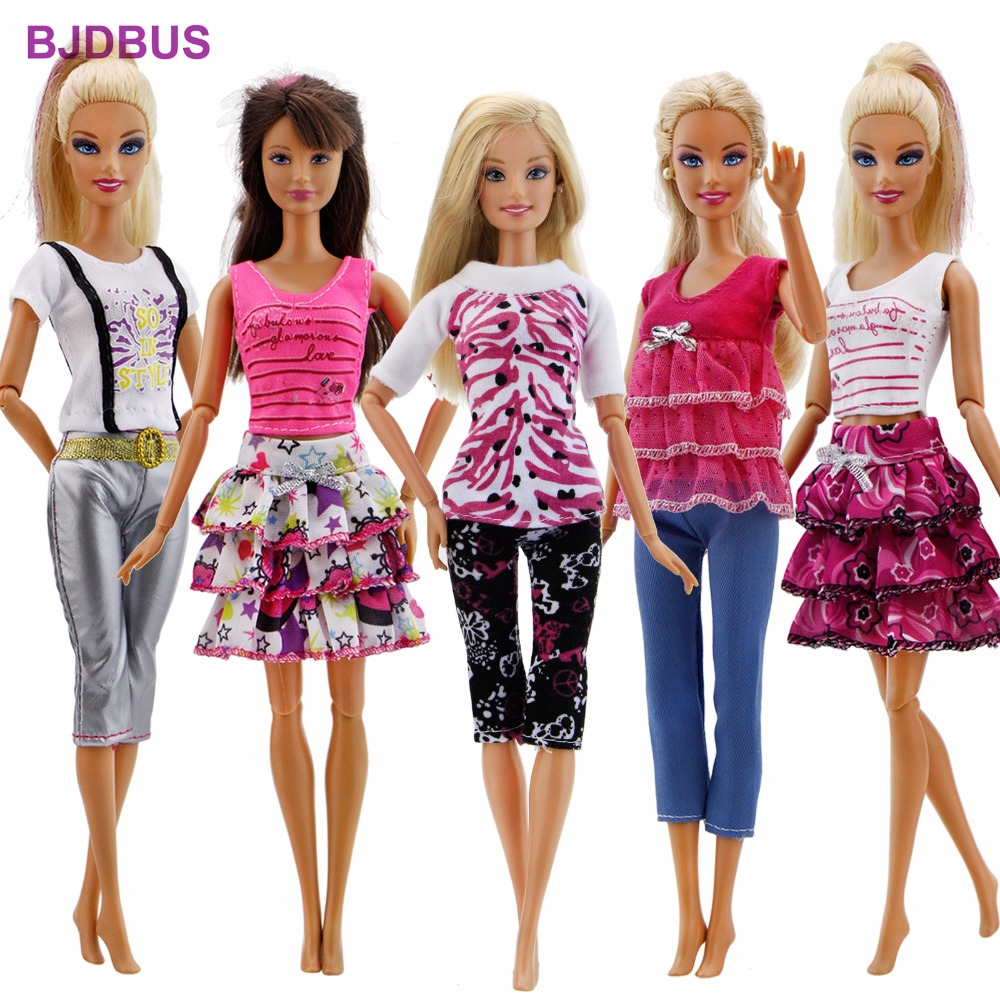где купить 15Pcs / Lot = 5 Sets Outfits Shorts Pants Skirts Fashion Style Clothes + 10 Pairs Random Shoes For Barbie Doll Accessories Gifts по лучшей цене