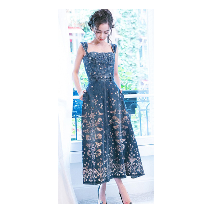 Summer Long denim dress For Women Sexy Sleeveless Embroidered Flower Vintage  style Pocket Model show For Paris fashion week-in Dresses from Women s  Clothing ... 896008798e71
