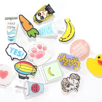 1 PC Icons on The Backpack Acrylic Badges Badges for Clothing Kawaii Badge Icon Pin Brooch