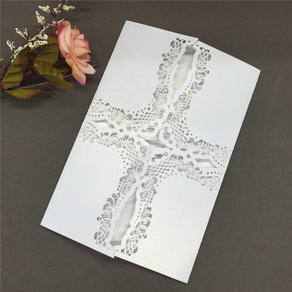 20pcs Delicate Iridescent Paper Cross Pattern Wedding Cards Crafts Hollow Out Carved Invitation Card for Wedding Party Birthday