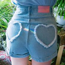 Женские джинсовые шорты с сердечками, джинсовые шорты с высокой талией, популярные мини шорты