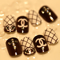 Fashion 24Pcs Grid Cartoon Short Fake Nails Acrylic Full Nail Tips with Rhinestones Lady's Favor Nail Art  french false nails