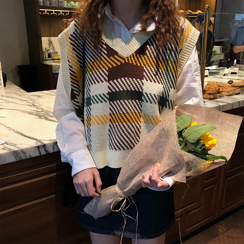 3 Colors 2018 Autumn And Winter Korean Style V Neck Knitted Plaid Sleeveless Vest Sweaters Womens Pullovers Womens (X970)