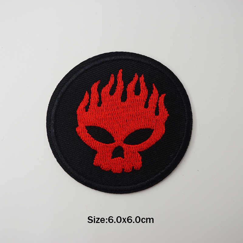赤赤面アイアンでパッチバッジ縫うシーム仕立ての服スーツコートジャケットズボン Tシャツパンツ飾りアパレル