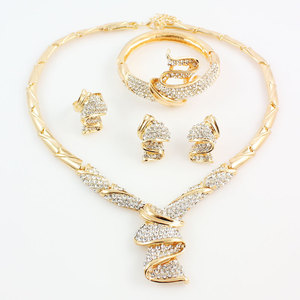 Image 2 - Conjuntos de joyas de boda con diamantes de imitación de aleación de Color dorado, collar, pulsera, anillo, pendientes para mujer, novia, venta al por mayor