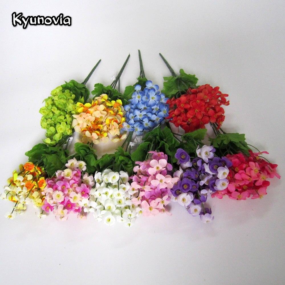 Merangkai Buket Bunga Plastik