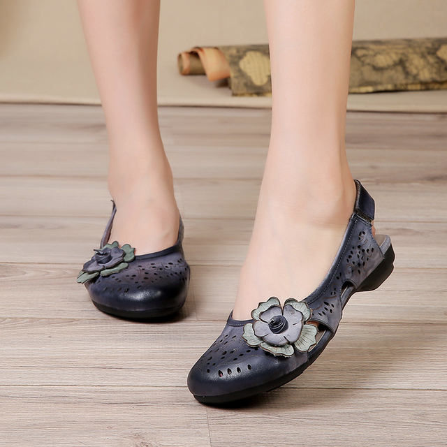 Summer Flat Shoes Woman Genuine Leather 2017 Cut Out Fretwork Round Toes Flower Hook & Loop Women Flats