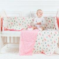 Conjunto Fundamento do bebê Kit Berço Padrão Flamingo Incluindo Amortecedor Berço Folha plana Fronha Capa de Edredão de Cama de Bebê Saco Pendurado Para meninas