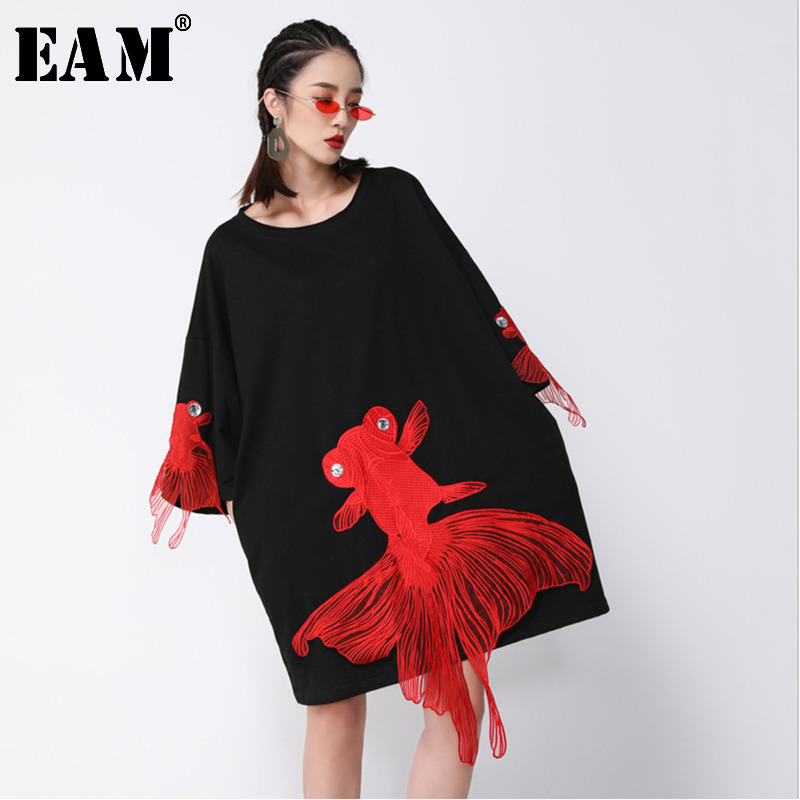 [EAM] 2019 New Spring  Summer Wrist Sleeve O Collar Fish Embroidery Pullover Women Fashion Tide Loose Knee-length Dress OA868