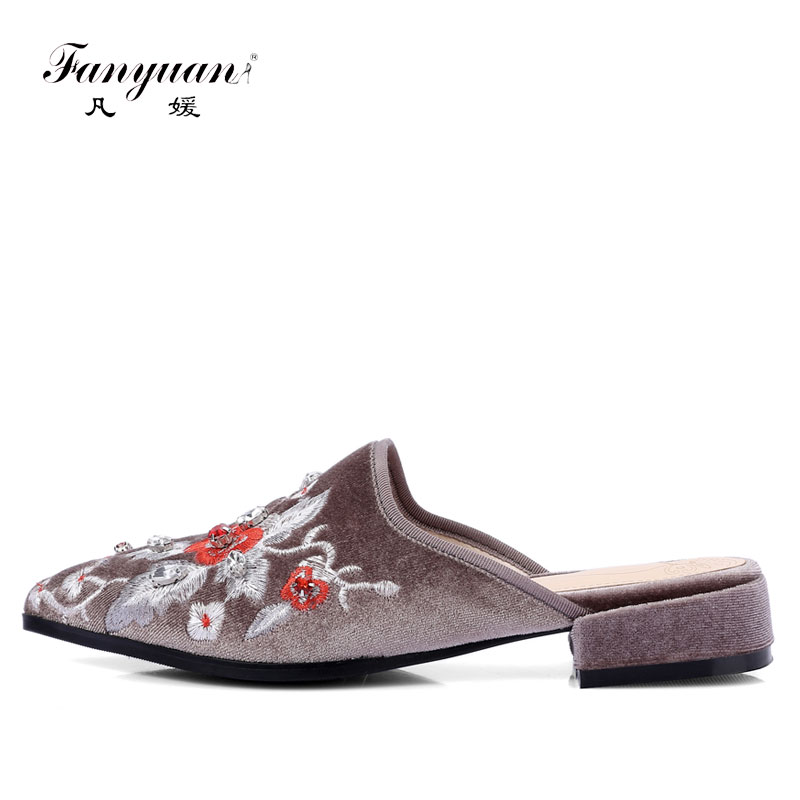 Fanyuan 2018 Luxury Embroidery Mules For Women Pointed Toe Flat Slippers Velvet Flower Printed Slides Women Party Shoes pointed toe flat mules