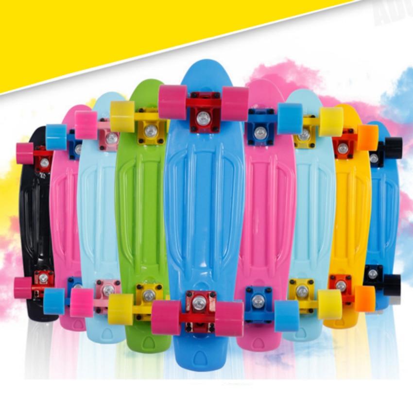 22 pouces Mini Cruiser Complete Skateboard Planche À Roulettes Petit Poisson Planche À Roulettes à Quatre roues Unique À Bascule Planche À Roulettes
