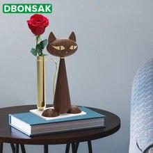 Металлическая ваза в скандинавском стиле форме кота из орехового