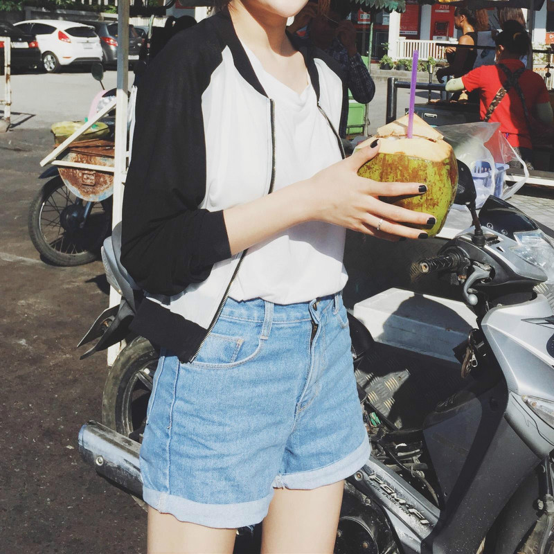 summer 2019 new Korean style loose-fitting light blue high waist women's jeans shorts denim female beading leg opening pants image