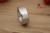 Brinquedos sexuais Anel Peniano Latência de Profissionais de Design E Produção de Anel De Metal Em Aço Inoxidável Suprimentos Divertidas Adulto Versão Mais Espessa