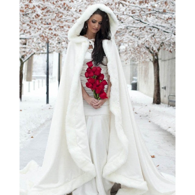 Consideravelmente Nupcial Rosa Casaco De Peles Com Capuz com Guarnição da Pele Do Falso Longa para a Noiva do Casamento do Inverno Manto Do Cabo Branco Marfim Quente robe vestido toga