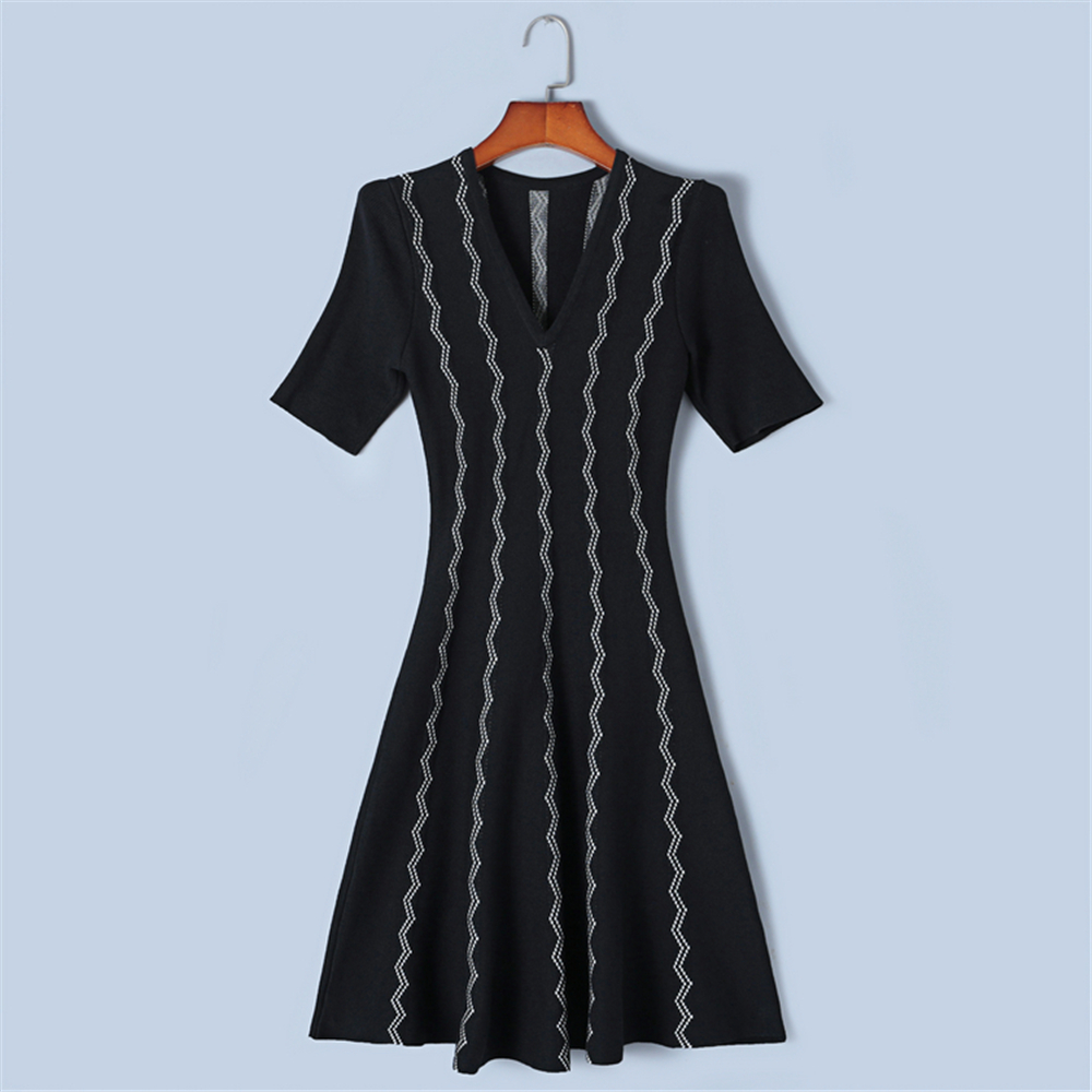 Tunjuefs Design Vintage Wave Striped Dress Summer Dress for Women Pullover Short Sleeve Knit Vestido Runway