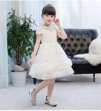 Новейшие Короткие Платья с цветочным узором для девочек аппликацией;