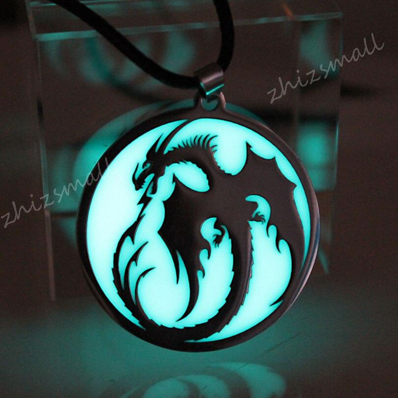 Ожерелье из нержавеющей стали с драконом, светящееся в темноте ожерелья с кулоном драконом, подарок для девочек и мальчиков, цепочка для сви...