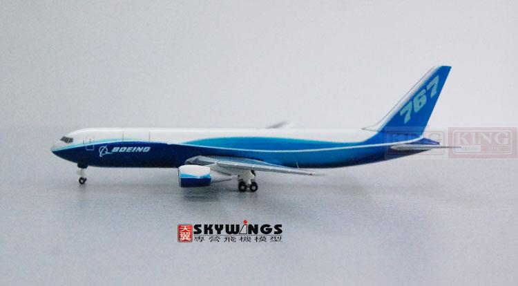 цена Hogan Boeing original 1:500 B767-300F commercial jetliners plane model hobby онлайн в 2017 году