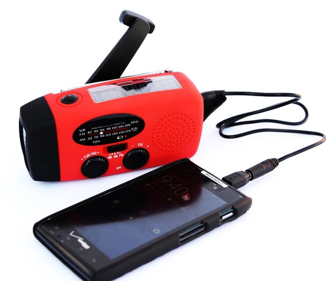 Dynamo Emergency Phone Charger Protable Solar Radio Am Fm