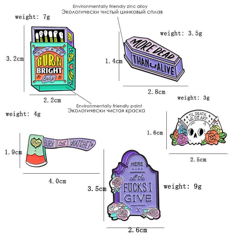 Matchbox topór topór czaszka topór trumna broszka zawsze palić jasne kolorowe odznaka emalia szpilki Halloween biżuteria punkowa brosch
