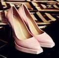 Marca Más Nuevo de Las Mujeres Bombas de Cuero Genuino Zapatos de Mujer Del Dedo Del Pie Puntiagudo Zapatos de Tacones Altos Zapatos de Plataforma Zapatos de Novia De Color Rosa WEO072