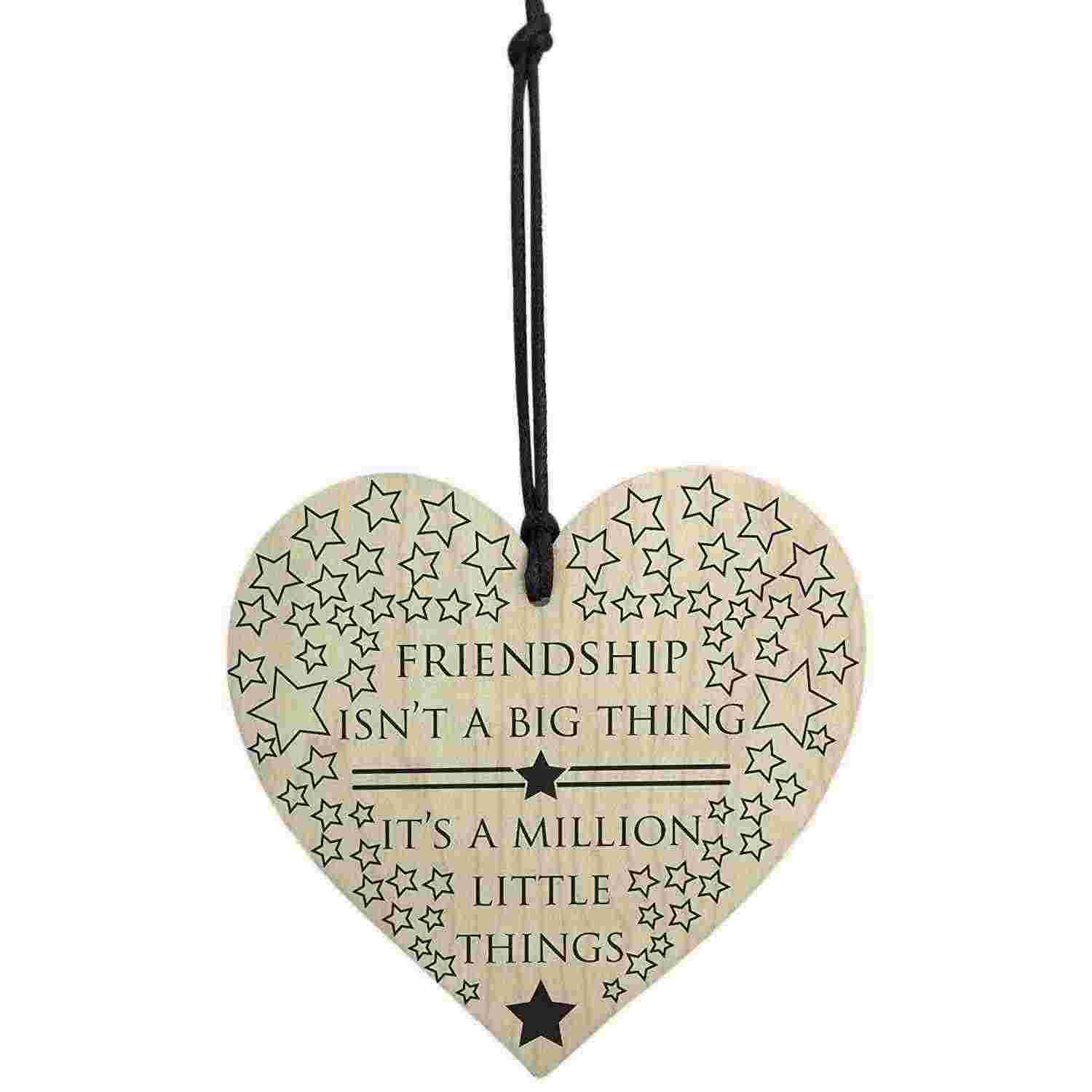 HOT SALE Friendship Is A Million Little Things Wooden Hanging Heart Friends Love Plaque