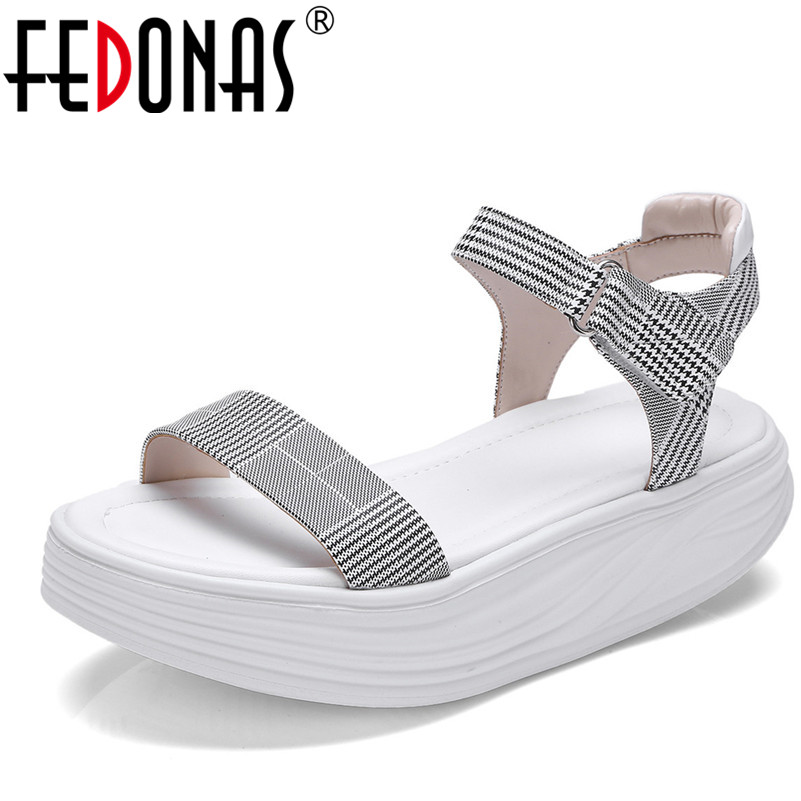FEDONAS Sexy Women Open Toe Flats Heels Sandals Summer Shoes Woman Platforms Ankle Strap Plaid Casual Shoes Female Sandals fedonas women sandals soft genuine leather summer shoes woman platforms wedges heels comfort casual sandals female shoes