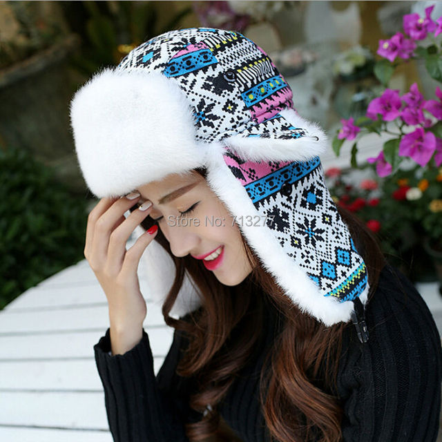 Fashion Classic Women Snowflake Winter Earflap Hat Hot Sale Trapper Hat for  Ladies Warm Fur Trooper Hat High Quality Bomber Hat 36327e5df31