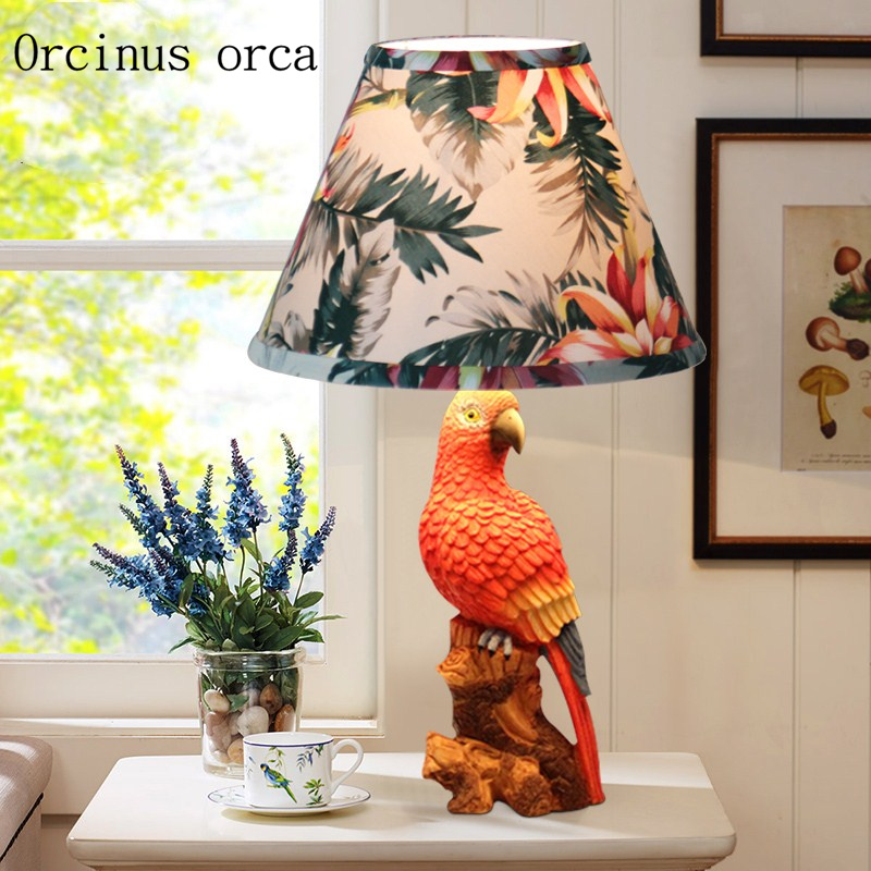 все цены на American antique parrot desk lamp living room bedroom bedside lamp Mediterranean Garden creative fashion birdie table lamp онлайн