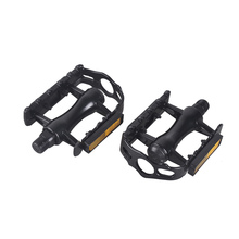 4 color Aluminum Alloy Bicycle Pedal MTB Mountain Bike Pedal Slip-resistant Flat Platforms Light Reflector Cycling Pedals 1 Pair