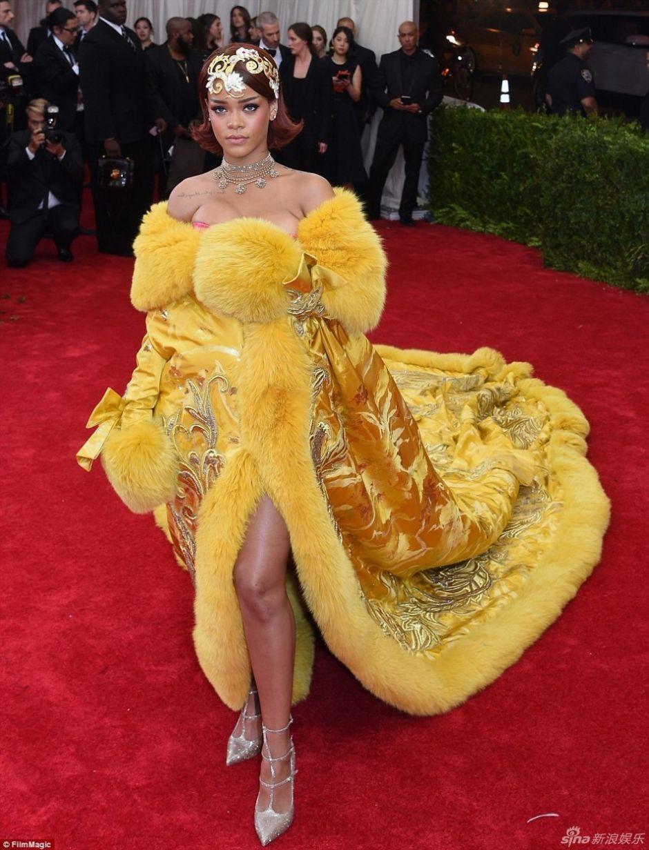 Chin-s-Tema-de-Gala-Aparado-Pele-Rihanna