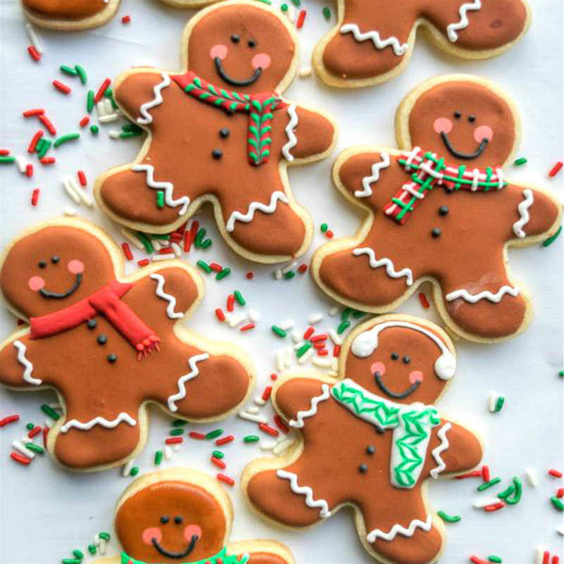 Keniao Christmas Gingerbread Man Cookie Cutter Set 2 Piece Large 10 7 X 13 Cm Medium 9 7 X 8 5 Cm