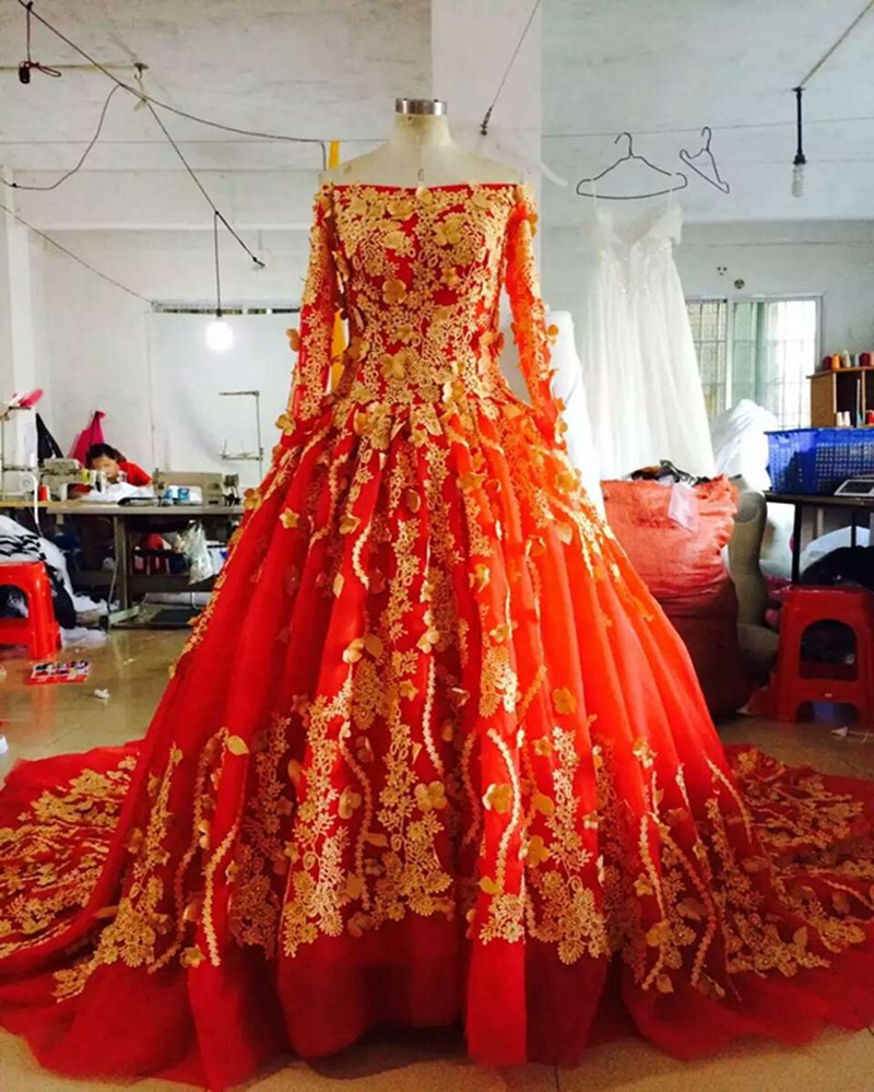 Red tulle dress wedding promotion shop for promotional red tulle 2017high quality gold appliques lace red tulle wedding dresses long sleeve boat neck royal train bride custom vestido de noive ombrellifo Gallery