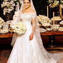 Glamorous Long Sleeve Princess Wedding Dresses lace appliques boat neck  Bride Dresses bridal gown vestido de e64da88f4bdc