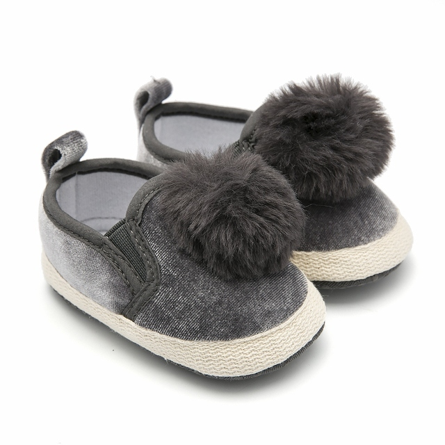 caf4ab7fb51 Newborn Baby Shoes Grey Pompon Infant Shoe Slip-on Pram Shoes Toddler  Moccasins Baby Loafers Chaussure Fille Baby Schoenen 0-18M