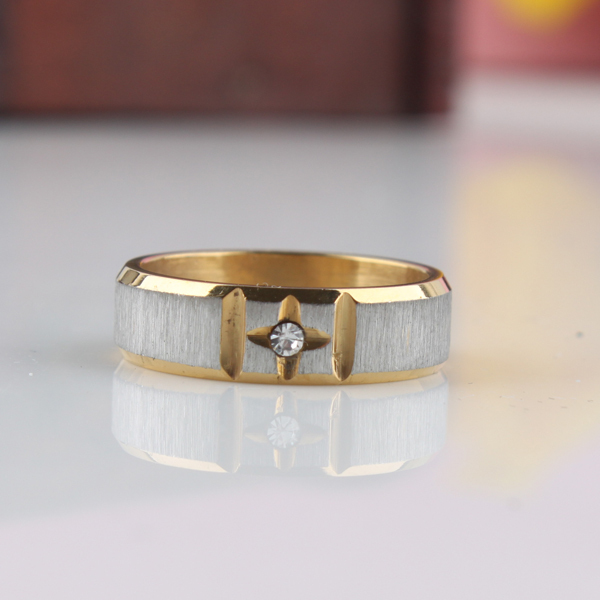 free shipping Frosted gold color rhinestone rings 316L Stainless Steel finger ring men jewelry wholesale