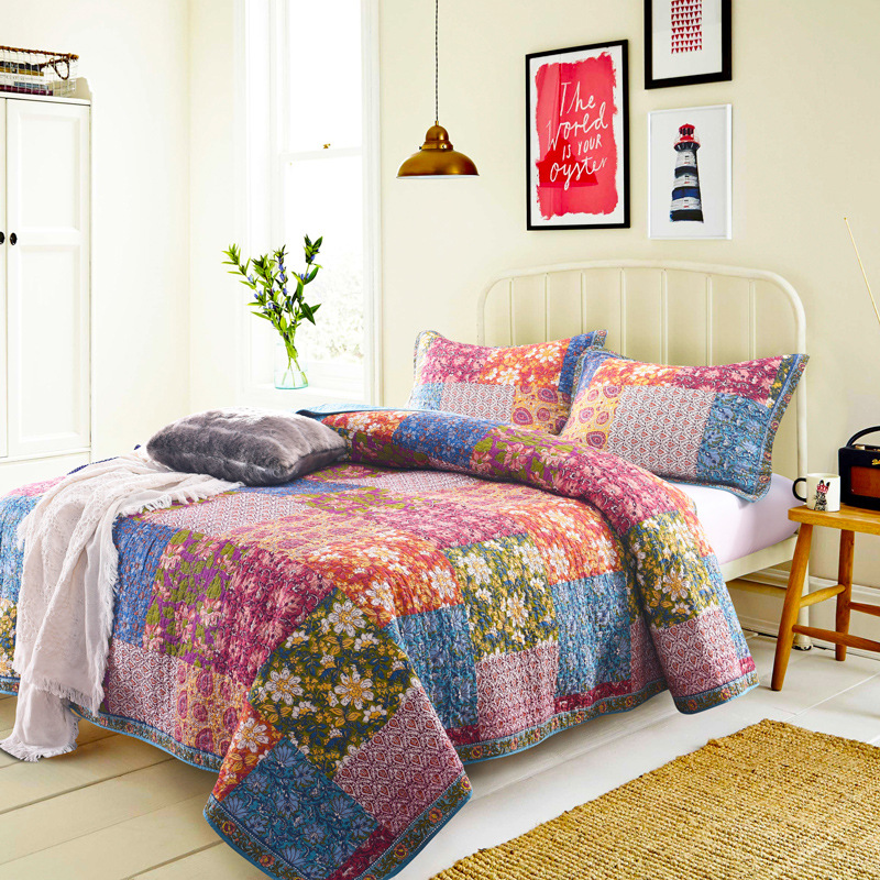 Bohemia Style Bedspread Quilt Set 3PCS Quilted Quilts Cotton Flowers Printed Blanket Bed Covers King Queen Size CoverletsBohemia Style Bedspread Quilt Set 3PCS Quilted Quilts Cotton Flowers Printed Blanket Bed Covers King Queen Size Coverlets