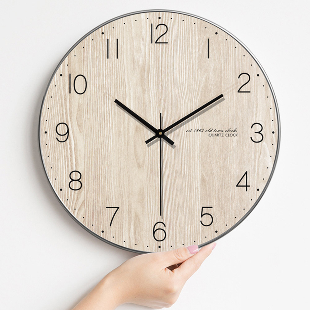 Modern Minimalist Wall Clock Living Room Wooden Wall Clock Nordic Quartz Wall Clock Hanging Table Creative Bedroom Mute Clock