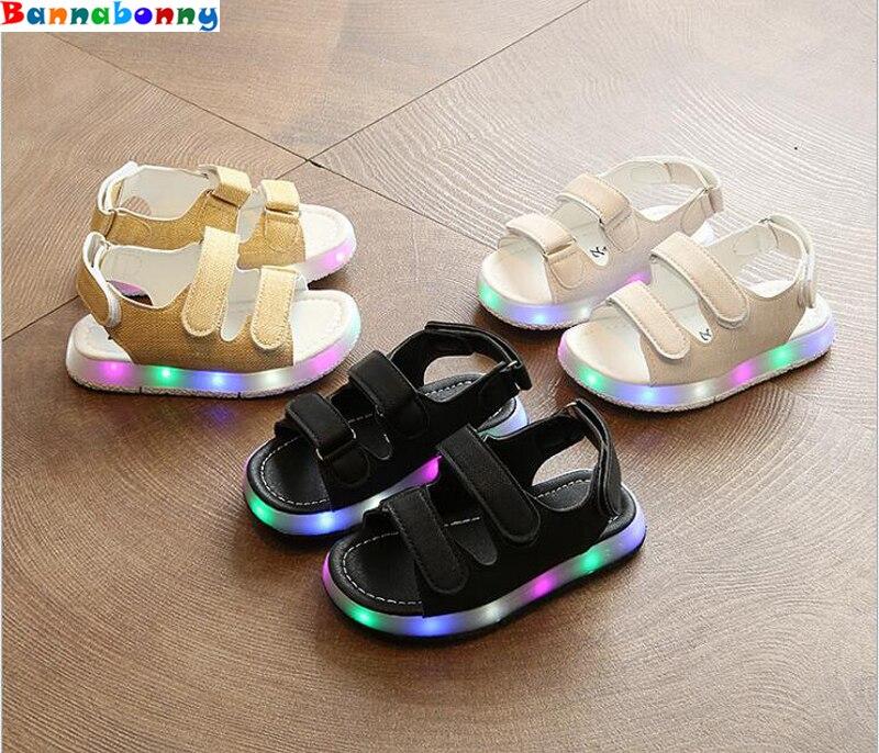 Kids Sandals With Light 2017 Summer Childrens LED Light Shoes Boys sandals Beach Shoes Girls Soft Bottom Baby Boys Sandals