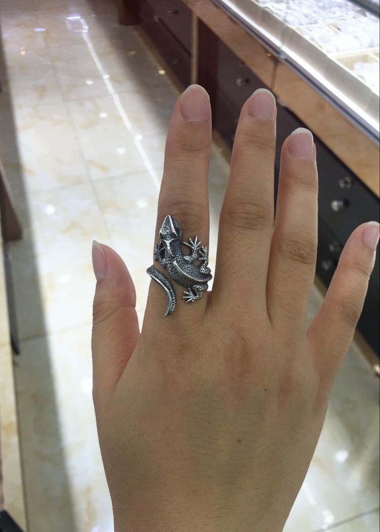 100 925 Sterling Silver Unique Rings Women Very Realistic Lizard Open Ring for Man Women Index Finger Middle Finger Jewelry in Rings from Jewelry Accessories